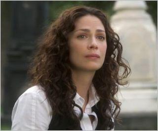 Joanne Kelly (Myka Bering) – Cast | Warehouse 13 | Syfy