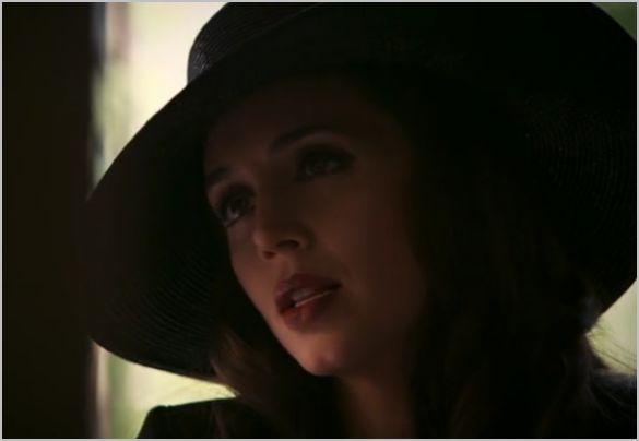 White collar, on the fence, raquel