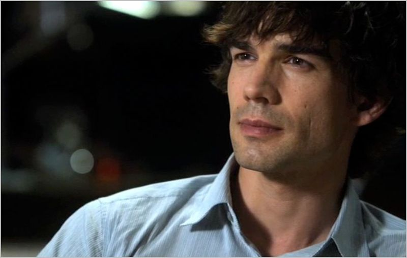 Covert Affairs, all the right friends, auggie2