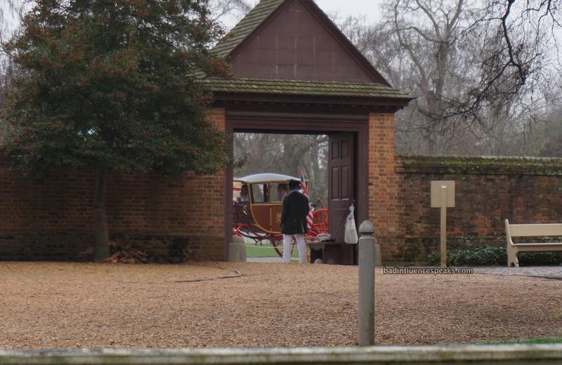 Cw carriage through gate bis
