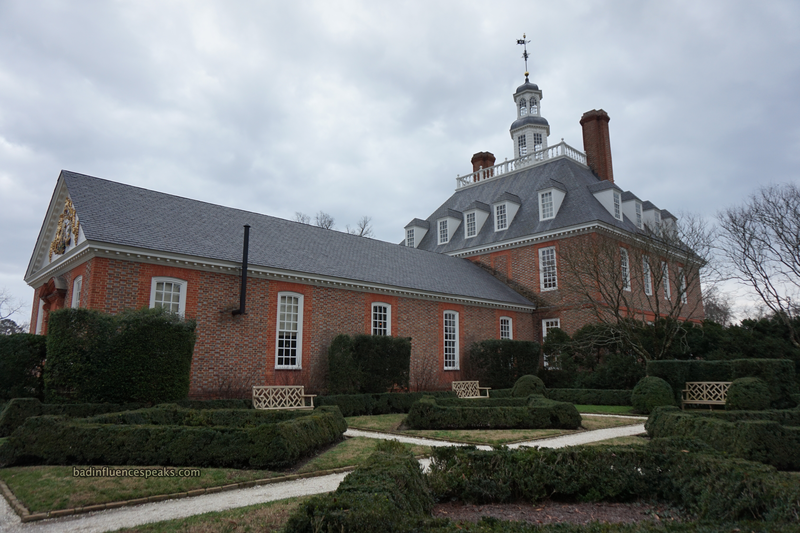 Cw governor's palace rear view bis
