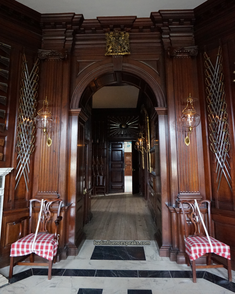Cw governor's front hall bis